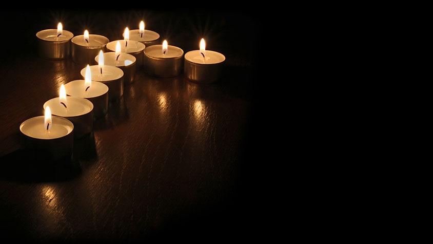 Kerzen Kreuz